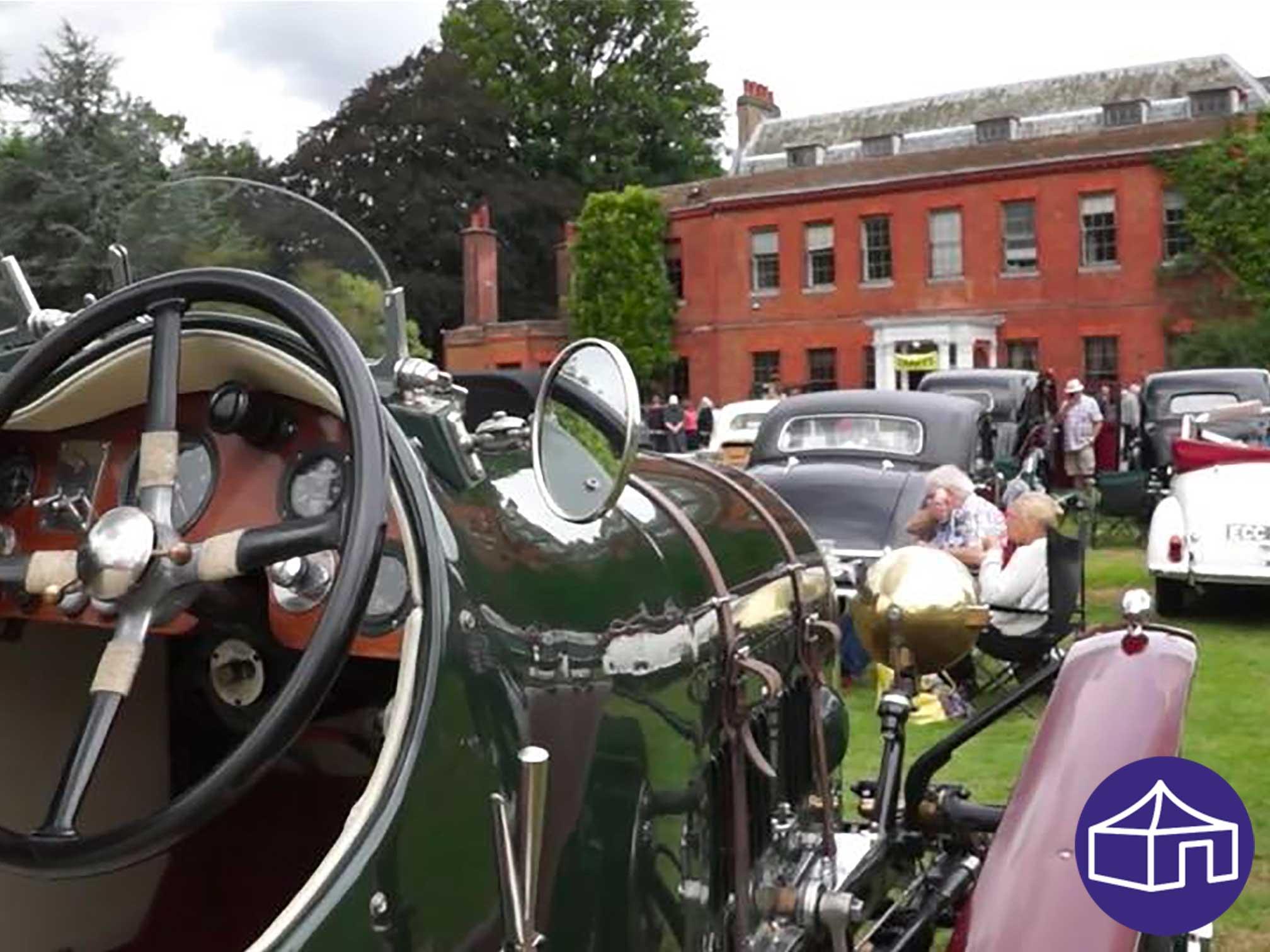 classcis_and_vintage_vehicle_show_capel_manor