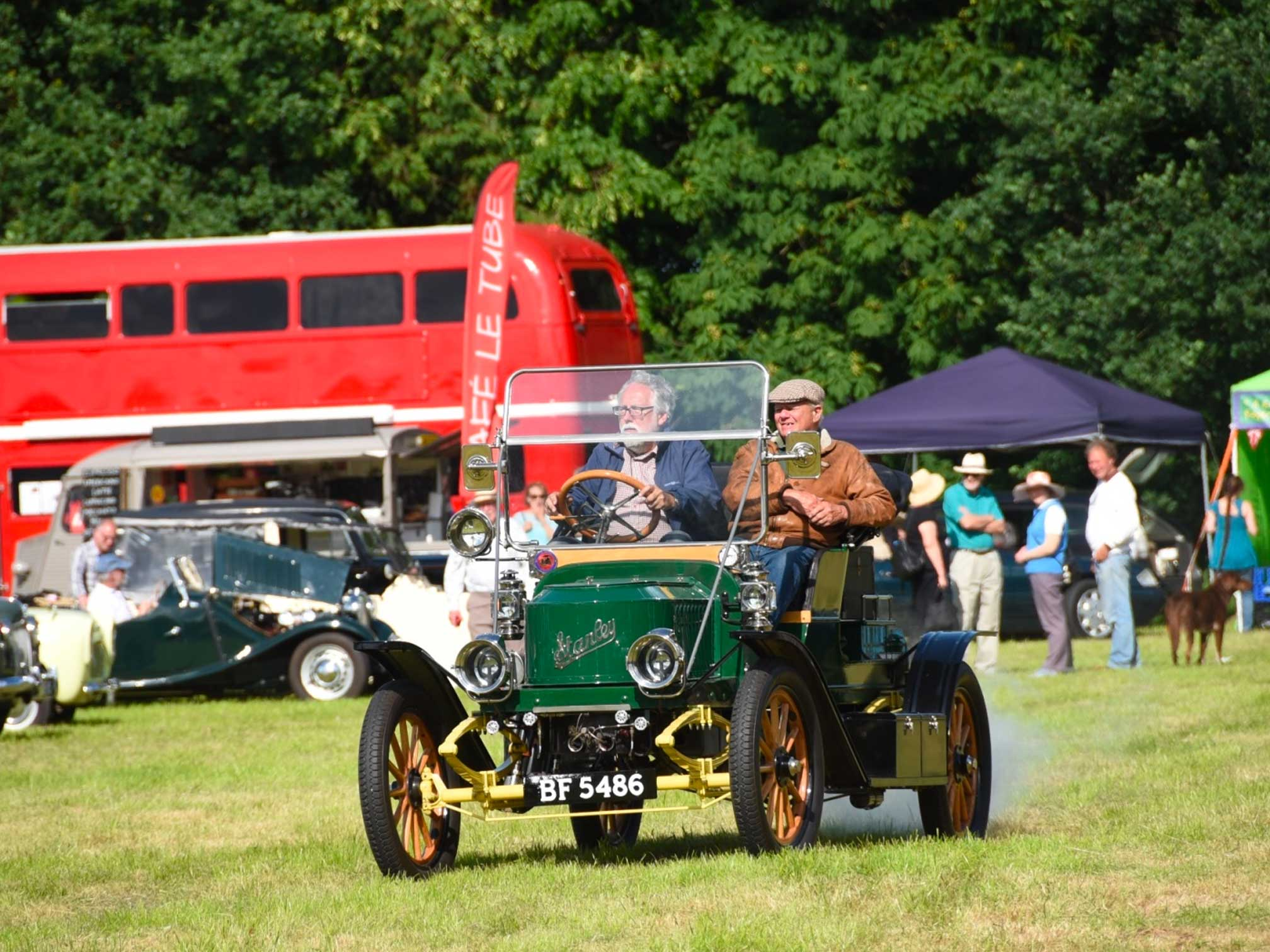 letchworth_garden_city_and_vintage_car_annual_picnic_hitchin
